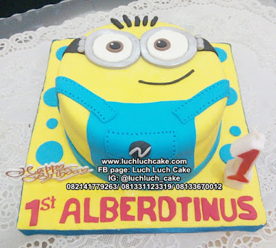 Minion 3d Fondant Birthday Cake