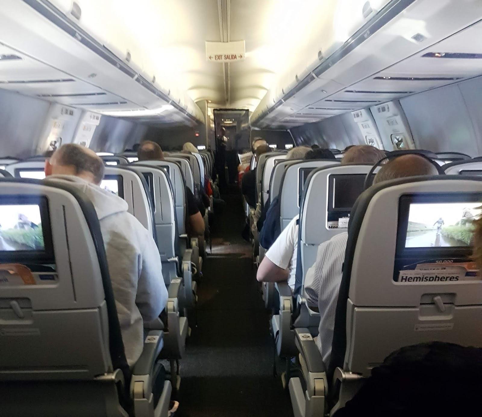Pulso guayaco +Trip ( Viajes, tips, noticias): Esto debes saber si vas en  una silla ubicada en la ventanilla de emergencia de un avión