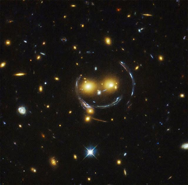 rosto gigante foi visto no Universo
