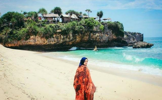 Pantai Watu Kodok Gunung Kidul Yogyakarta