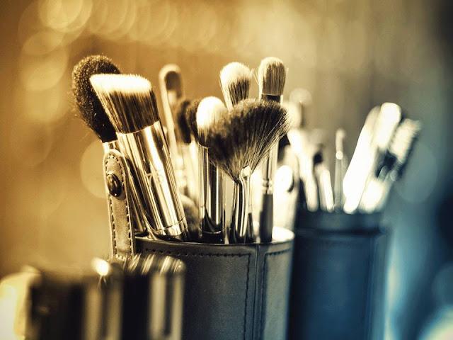 Lavar nuestros instrumentos de maquillaje de manera regular es muy importante