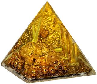 Amuletos y Talismanes: Las Pirámides