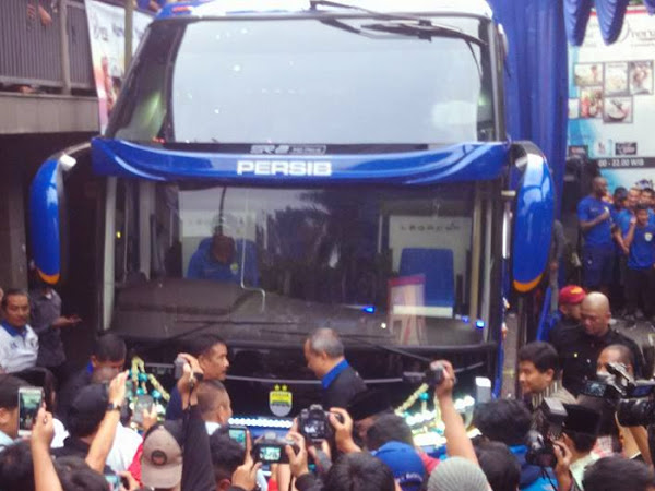 Launching Bus Persib di Graha Sulanjana