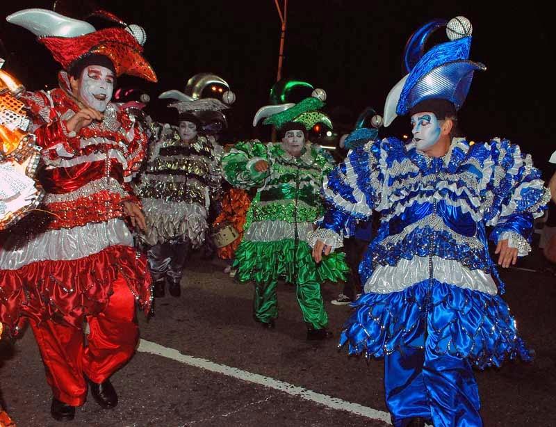 Desfile Inaugural del Carnaval. 2015. Momolandia.
