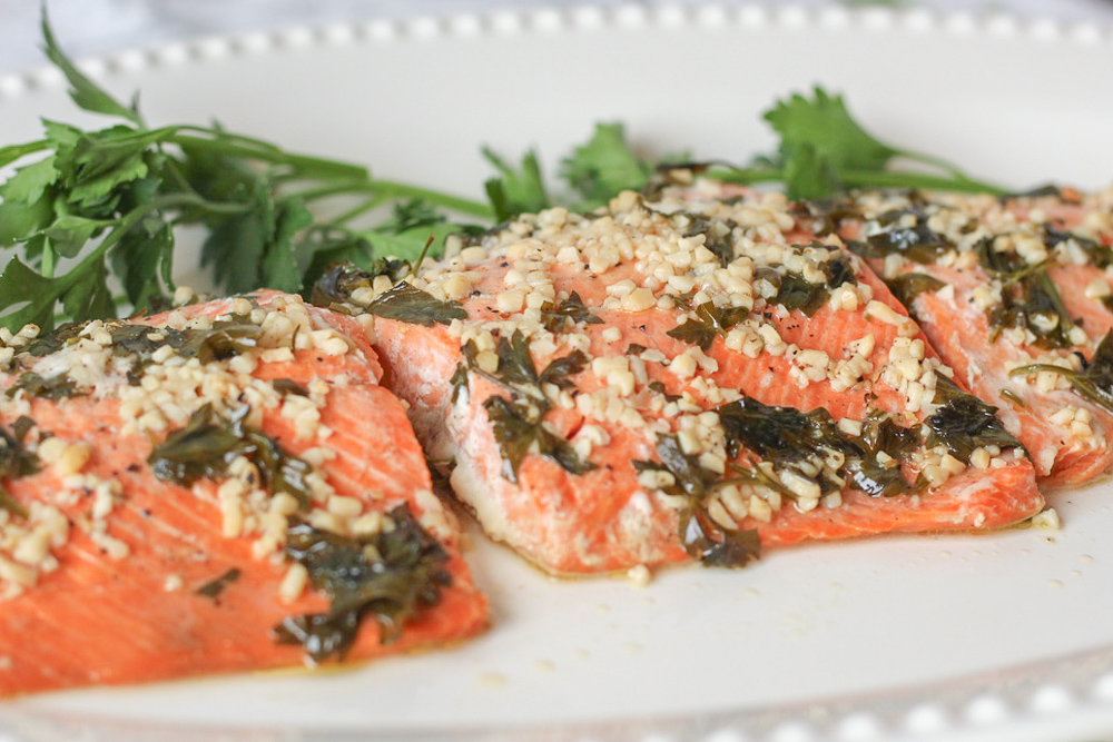 Healthy Lemon and Garlic Baked Salmon