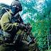 Ρώσος αξιωματικός των ειδικών δυνάμεων Spetsnaz σήμερα!!!Δεν είχε άλλη επιλογή έστρεψε το όπλο πάνω του!!!