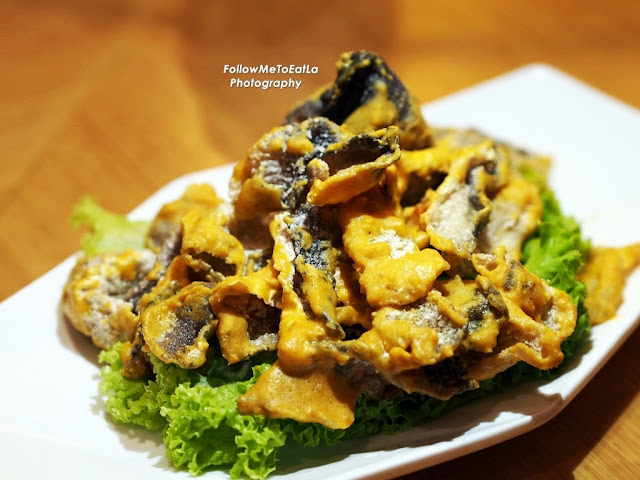 Deep Fried Fish Skin with Salted Egg Yolk RM 18.80 Per Portion
