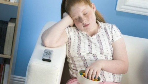 ¿Sabías que dormir demasiado trae consecuencias negativas?