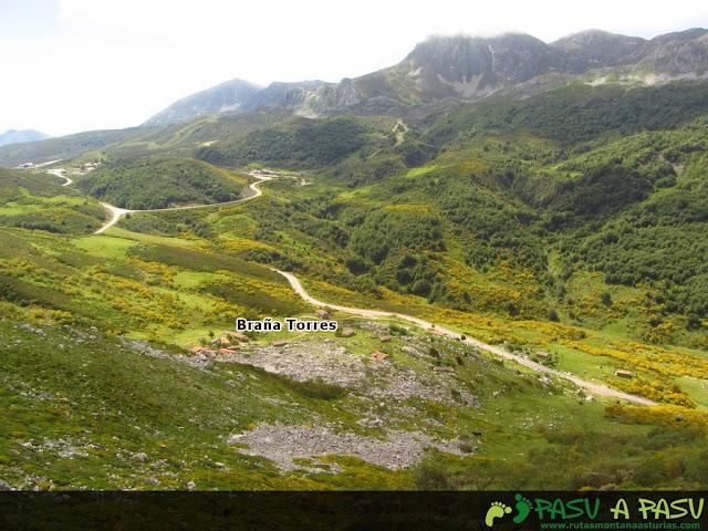 Ruta al Pico Torres y Valverde: Vista de la Braña Torres
