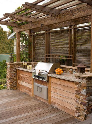Boiserie c cucine in giardino for Design di casa all aperto