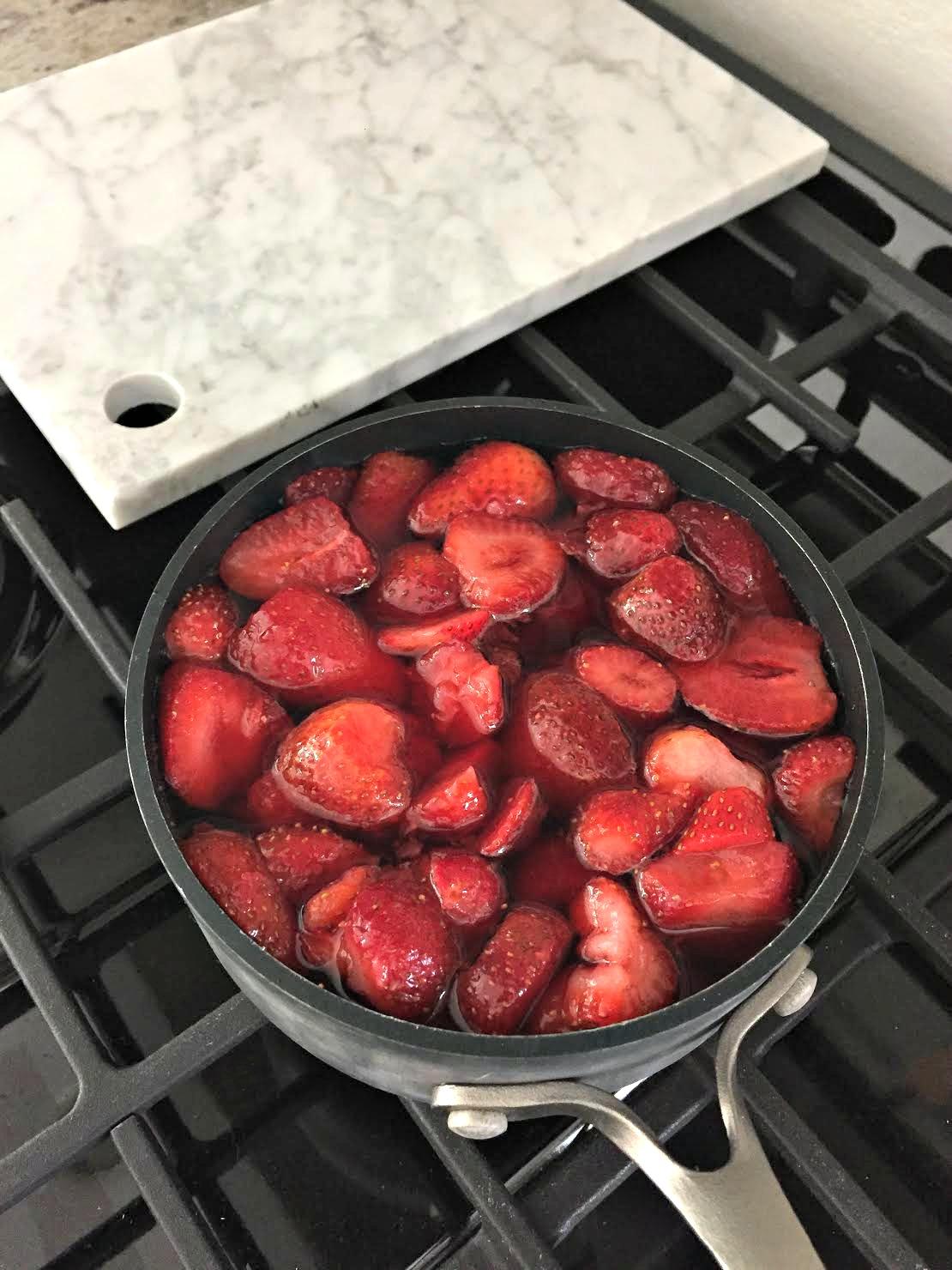 Strawberry dessert with pretzels