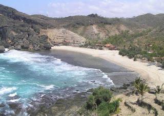 Pantai Siung Yogyakarta yang Indah