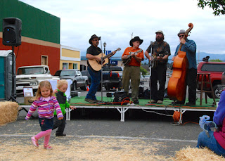 Bluegrass Band at Apple Harvest Fest - Fortuna, California, USA