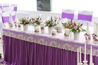 פרחים לחתונות - זרים בוואזות נמוכות