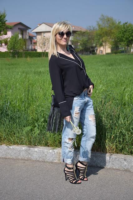 outfit jeans boyfriend strappati come abbinare i jeans boyfriend strappati jeans boyfriend pimkie outfit aprile 2017 outfit primaverili mariafelicia magno fashion blogger colorblock by felym fashion blog italiani fashion blogger italiane blog di moda blogger di moda