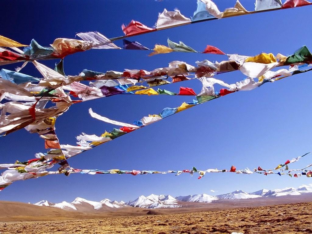 Banderas de colores del Himalaya