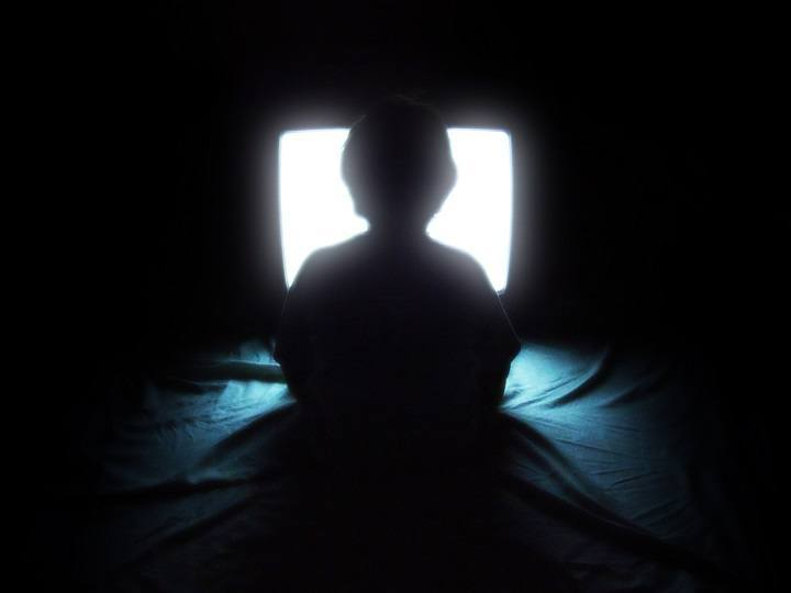 televisi punya banyak manfaat jika digunakan dengan benar