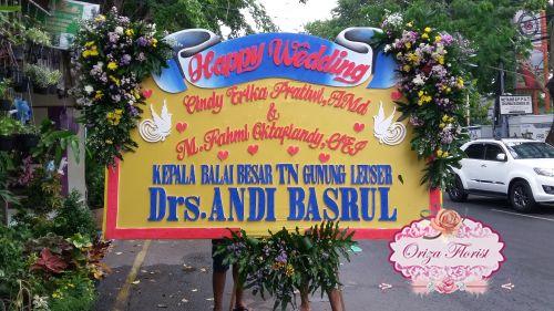pesan papan bunga di surabaya, papan bunga pernikahan surabaya, bunga papan wedding surabaya
