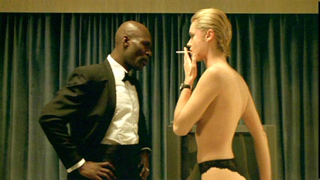 Femme Fatale 2002 Rebecca Romijn movieloversreviews.filminspector.com