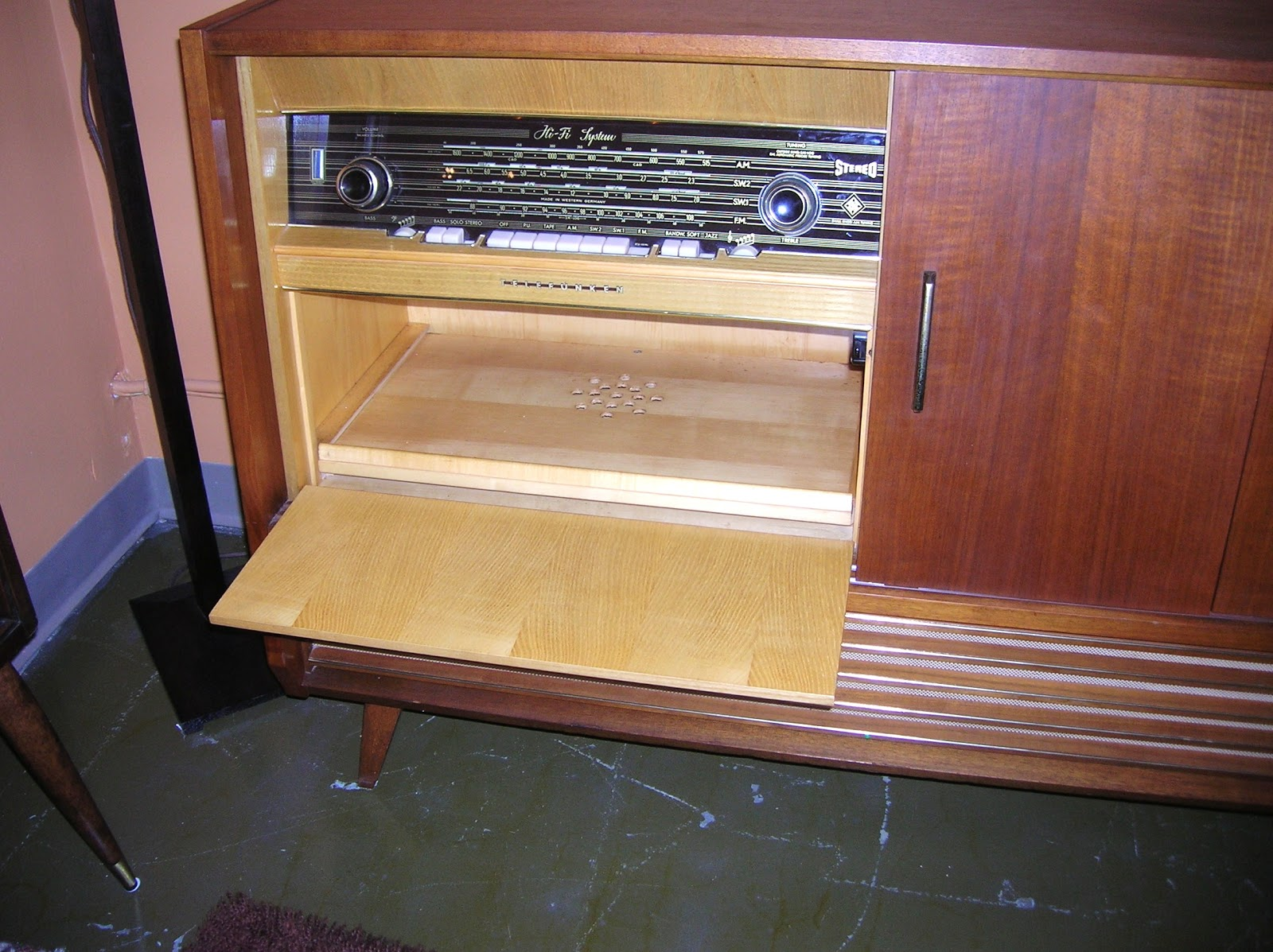 A Modern Line Heywood Wakefield Refinishing And Other