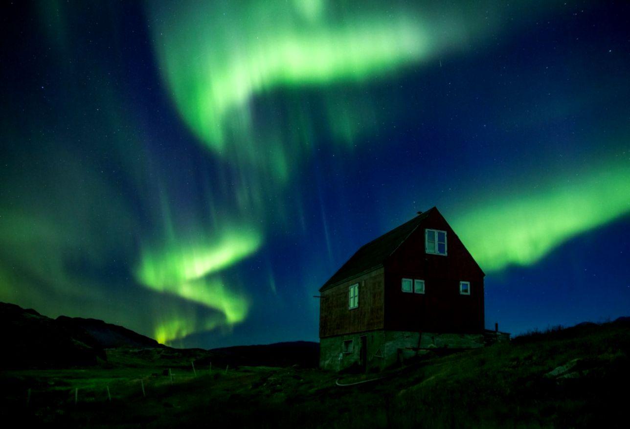 Greenland northern lights tour
