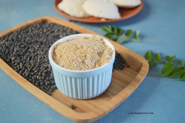 Black Urad Dal Chutney Powder Recipe | Karuppu Ulundhu Idli milagai Podi