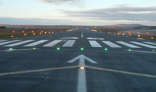 """Δυο στρατιωτικά αεροδρόμια στο """"μάτι"""" του ομίλου TUI - Τι προτείνει"""