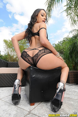 bethany benz has ass tits
