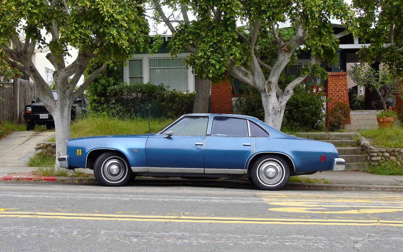 Malibu chevy classic malibu : THE STREET PEEP: 1977 Chevrolet Malibu Classic Sedan
