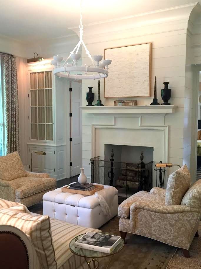 The pink clutch southern living 2016 idea house for Mark d sikes living room