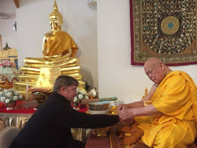 Wat Thai of Washington DC -- Lay Practitioner with Senior Monk