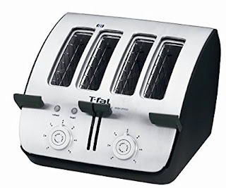 Four slice bread toasters