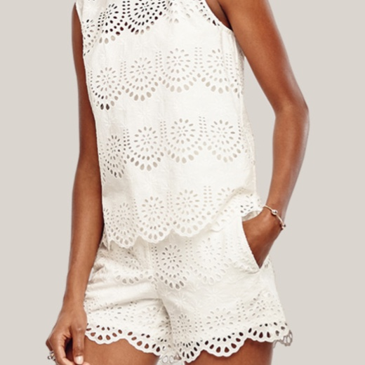 Ann Taylor scalloped eyelet white city shorts and shell