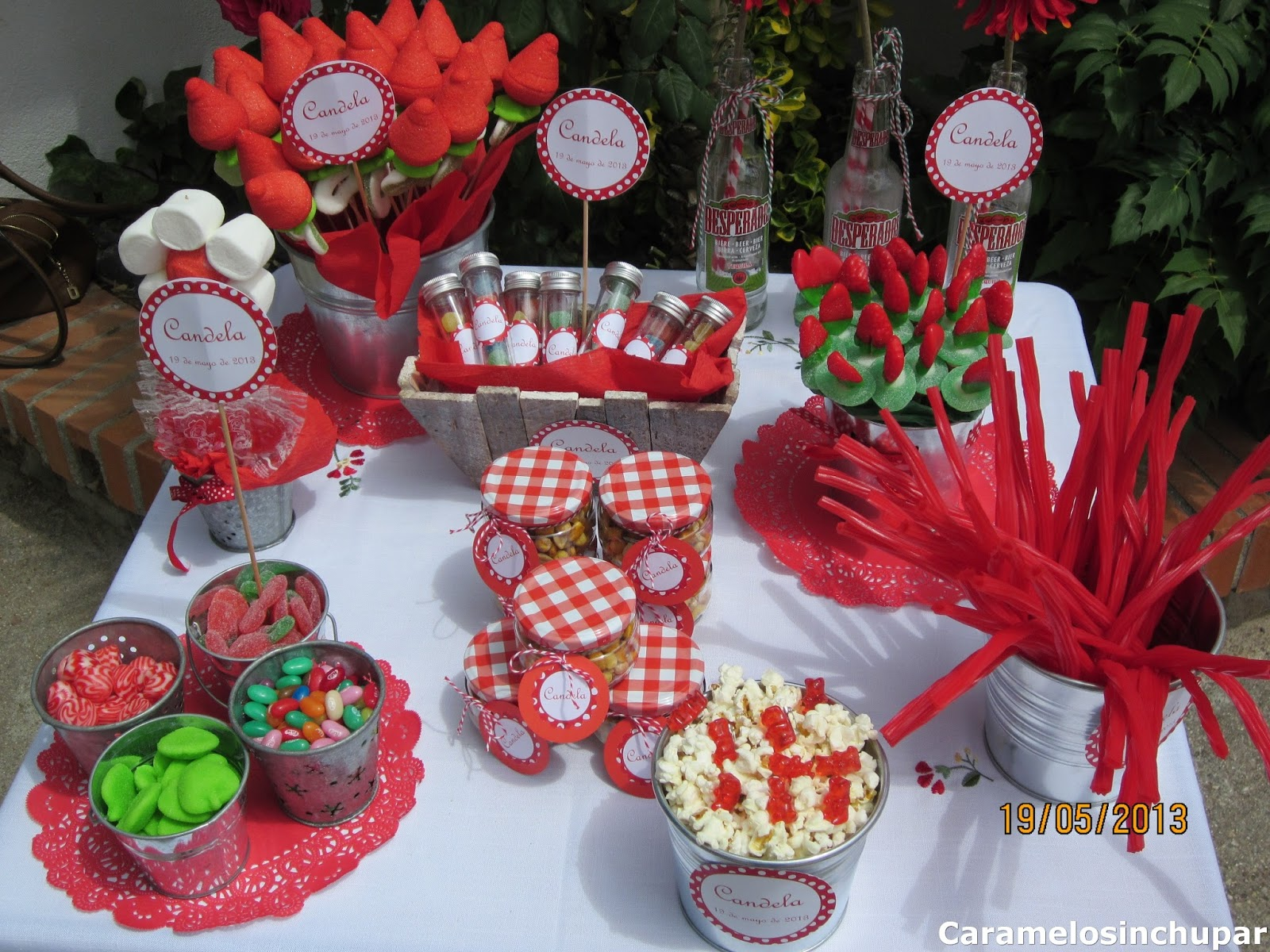 Olivilla olivilla mesas de chuches para eventos for Fotos de mesas de chuches para bodas