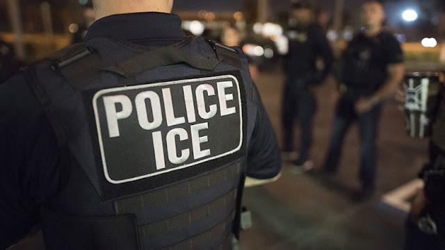 Un exabogado puede ir a prisión por robarles la identidad y sus ahorros a inmigrantes en EE.UU.