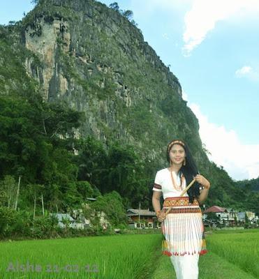 Cewek Toraja penari toraja