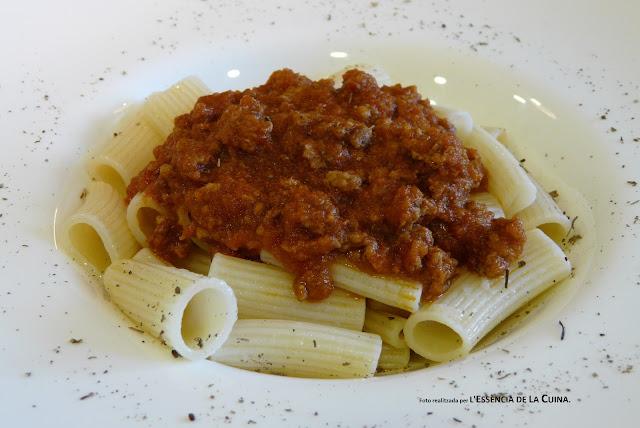 macarrons a la bolonyesa, macarrones a la boloñesa, pasta, macarrons facils, l'essència de la cuina, blog de cuina de la sonia