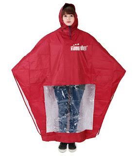 Không nên quên mang áo mưa quảng cáo khi đi ra đường trong những ngày này