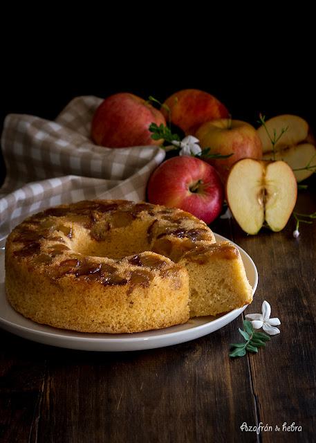 Bizcocho de manzana caramelizada