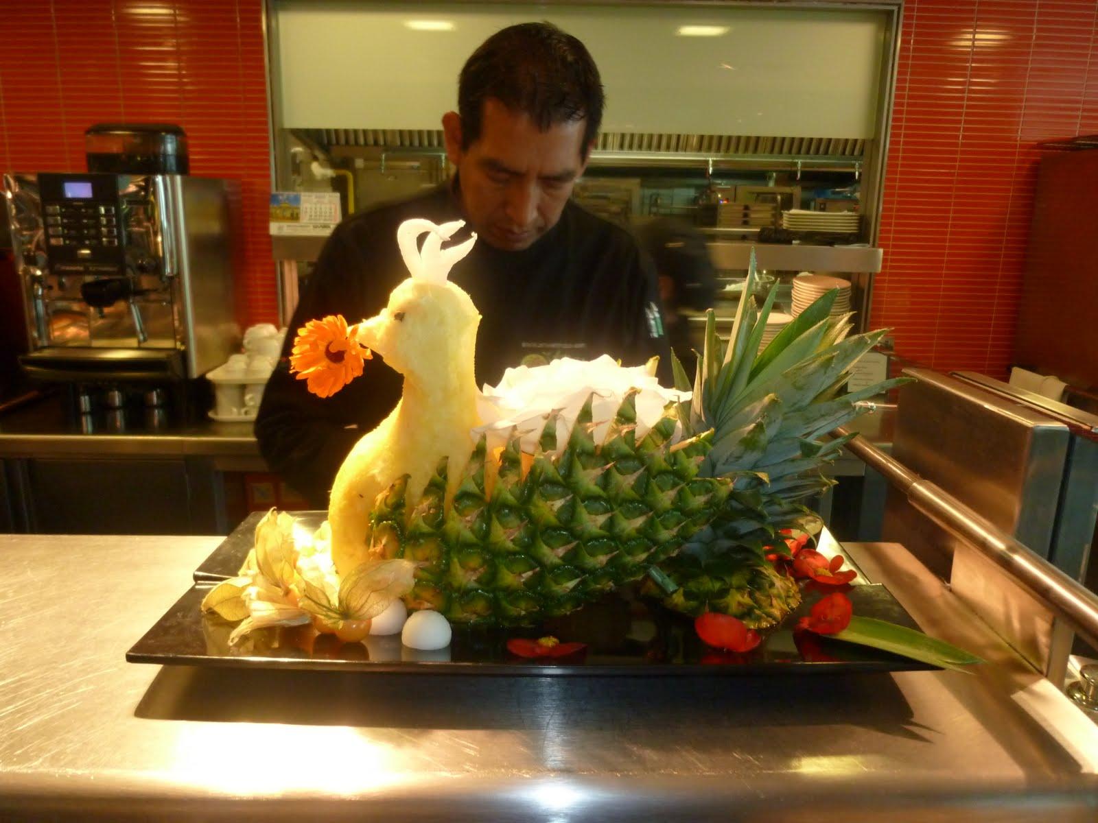 El blog del tavo p el arte de esculpir frutas y vegetales for Decoracion con verduras