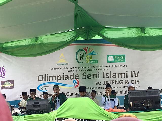 Penampilan Habib Haedar saat mengisi  di hari pertama OSI ke IV se-Jawa Tengah dan DIY di lapangan Voli IAIN Purwokerto