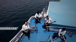 Lirik, Video dan MP3 Lagu Berlayar Rocktober
