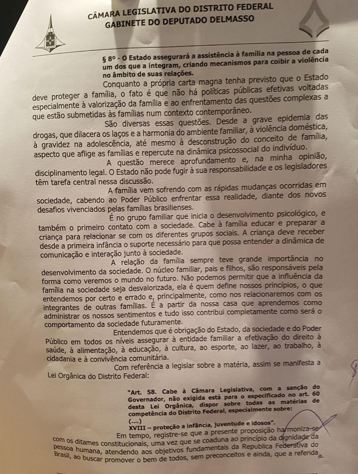 Câmara derruba decreto que regulamenta lei que pune LGBTfobia no DF