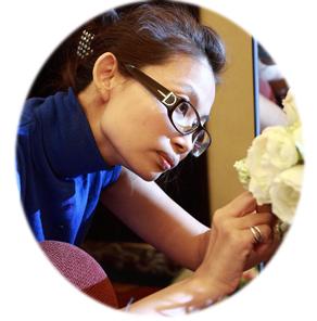 「創藝整體造型學苑」郭芳秀老師是新秘「老師級」的推手,更是南部知名造型師。