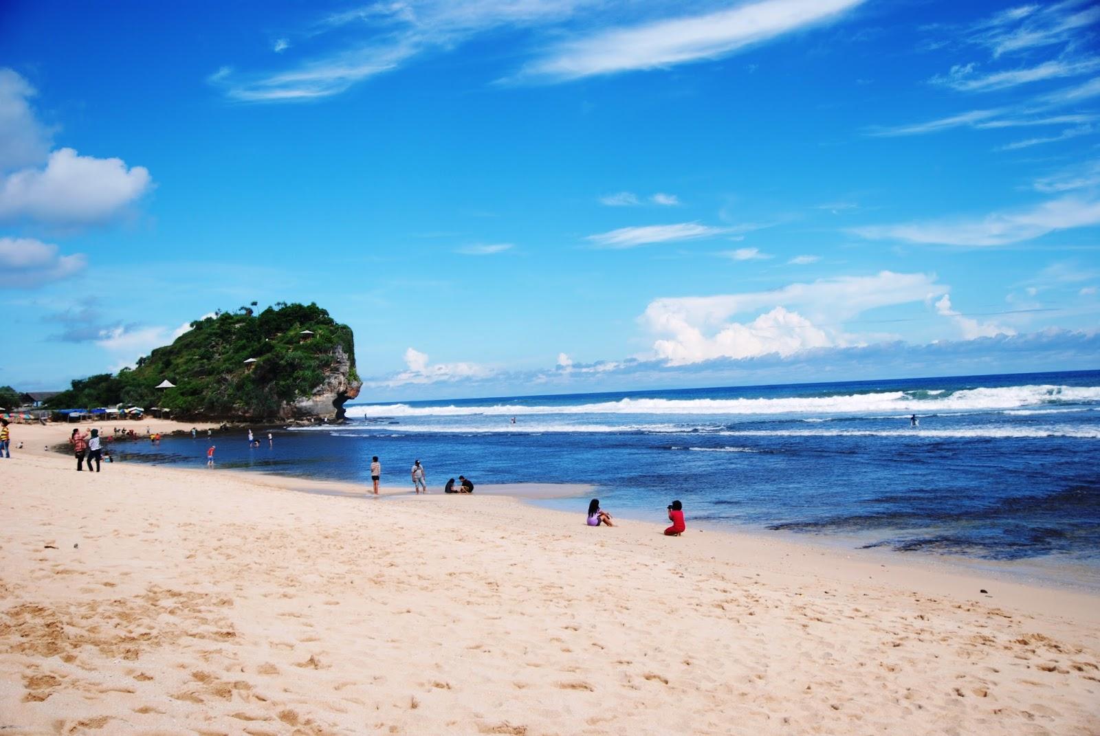 Pantai Indrayanti: Dari Gunungkidul yang Tersohor ke 12 Negara  Look Jogja