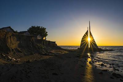 Pantai Layar Putih Kota Makassar Photo by @ardypatandun