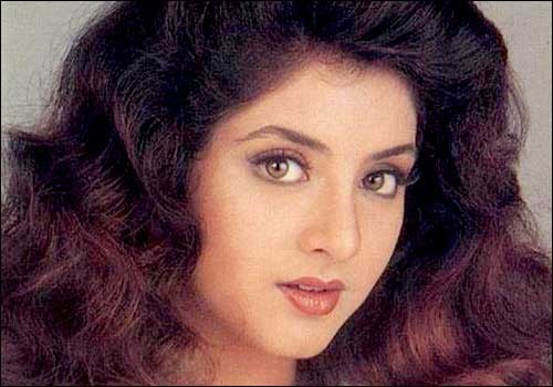 Divya Bharti Biography, Wiki, Dob, Height, Weight, Husband, Affairs and More