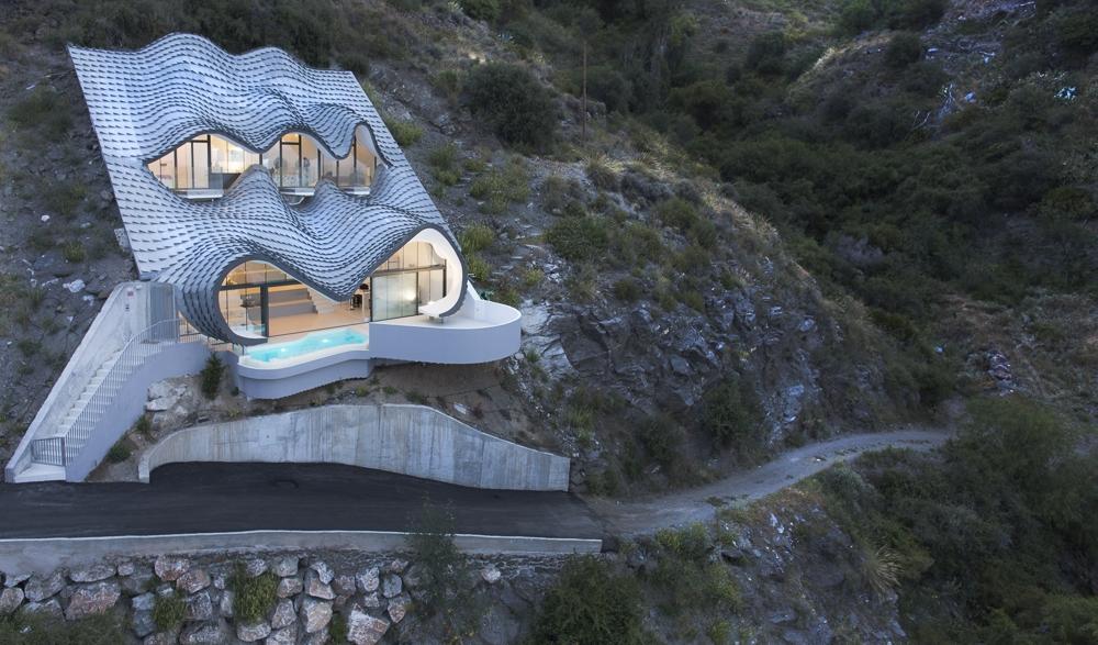 12-GilBartolomé-Pablo-Gil-Jaime-Bartolomé-Architecture-with-the-Casa-del-Acantilado-Cliff-House-www-designstack-co