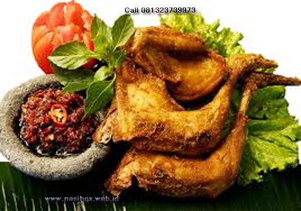 Resep ayam goreng bumbu kuning nasi box  situ patenggang ciwidey