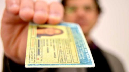 Ministério vai revogar regra que exigia curso para renovar CNH